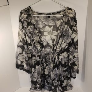 Torrid Black and White Floral Babydoll Blouse, 2X